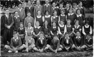 1933/4